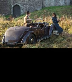 Claire Randall and Frank Randall at Castle Leoch