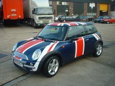 union jack MINI...I want! I want! :-)