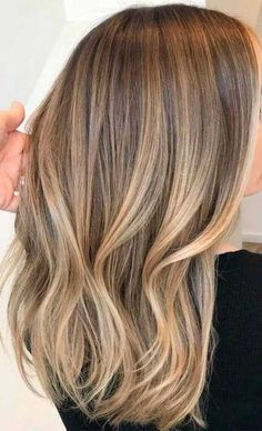 Long Wavy Ash-Brown Balayage - 20 Light Brown Hair Color Ideas for Your New Look - The Trending Hairstyle Balayage Brunette Long, Light Blonde Balayage, Brown Balayage, Ombre Brown, Caramel Balayage, Bayalage Light Brown Hair, Balayage Long Bob, Dark Blonde Balayage, Light Auburn Hair