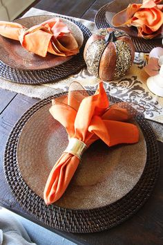 Fall Dining Room Table Decor - neutral tones that remain year-round with colorful accent pops that can be changed to suit the season or holiday