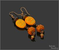 Funny Skull Earrings are a part of Beaded Fall Collection 2019 Designed August/October 2019 for Rutkovsky Beads . Skull Earrings, Drop Earrings, Beaded Skull, Fall Collections, Day Of The Dead, Cello, Beading, Brooch, Halloween