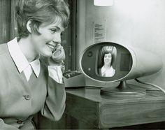 Bell Systems Picture phone, 1964 ( Retro Future - Retro Futurism - Vintage Sci Fi - futre home / video phone - Atomic Age )★過去の未来 Vintage Videos, Vintage Stuff, Vintage Decor, Gadgets, Atomic Age, Lost, World's Fair, Facetime, The Past