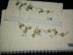 LOY HANDCRAFTS, TOWELS EMBROYDERED WITH SATIN RIBBON ROSES: CONJUNTO BANHO E ROSTO