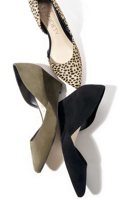 Who exactly doesn't like gorgeous wedges?, look at our amazing selection of zip-back and belt wedges for each special occasion! Wedges Outfit, Shoes Heels Wedges, Wedge Shoes, Sandal Wedges, Dream Shoes, Crazy Shoes, Me Too Shoes, Business Shoes, Business Outfits