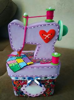 Felt Crafts, Diy And Crafts, Crafts For Kids, Arts And Crafts, Diy Projects To Try, Craft Projects, Sewing Projects, Fabric Toys, Fabric Art
