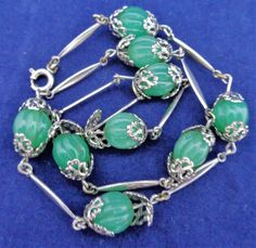 Vintage Art Deco Jakob Bengel ? Apple Green Carved Effect Glass Beads Necklace