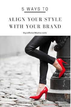 Learn how to stay true to your branding and also your style with these simple branding tips. Create A Signature, Signature Style, Premier Designs, What Makes You Unique, Fashion Boards, New Environment, Tips & Tricks, Crazy Socks, Stay True