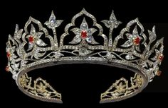 The Oriental Circlet tiara (designed by Prince Albert for Queen Victoria). This guy really has great taste