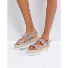 Bershka Glitter Espadrille Flatform Sandal (3.090 RUB) ❤ liked on Polyvore featuring shoes, sandals, gold, ankle strap sandals, flatform sandals, ankle strap platform sandals, slip-on shoes and slip on sandals