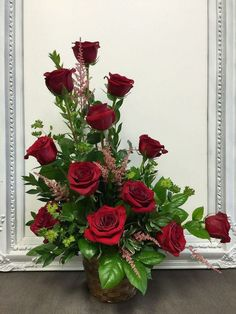 Beautiful Valentine Flower Arrangements Ideas For Your Home Decoration - Flowers are one of the most popular gifts given and sent on Valentine's day. Sons buy a pretty posy for their mom, boys buy them for their girlfriends. Valentine's Day Flower Arrangements, Rosen Arrangements, Altar Flowers, Church Flowers, Funeral Flowers, Silk Flowers, Wedding Flowers, Flowers Garden, Purple Flowers