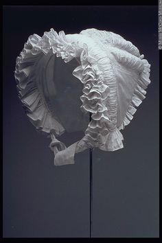 White #Regency bonnet, c. 1820s MuseeMcCord/McCordMuseum