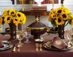 Brown table linens, sunflowers and gold flatware - Carolyne Roehm by catrulz