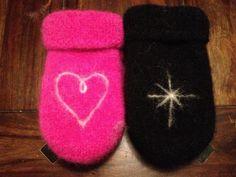 Bilderesultat for strikkeoppskrifter dame Yarn Projects, Drink Sleeves, Mittens, Knitting Patterns, Diy And Crafts, Knit Crochet, Slippers, Socks, Creative