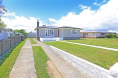 Moving in or out of your rental? call coastline cleaners today to get your free whole house clean. Based in the Horowhenua & Kapiti region.