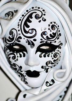 Color Negro y Blanco - Black & White!!!  Venetian Dangle Mask