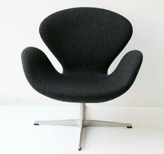 Swan chair in black | armchair . Sessel . fauteuil | Design: Arne Jacobsen | Fritz Hansen |