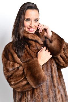 """Short flared coat with roll up sleeves. how to measure the fur. Search for: """" Fur-Boutique-Germany"""". Fur Type See Condition 1, but with light fur rubbing on the edges / little defects on lining. Not much visible when you wear the fur. 