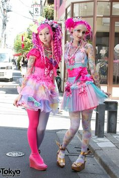 Amazing pictures from the first date on Japanese fashion brand Harajuku Kawaii Experience world tour. Harajuku Girls, Harajuku Fashion, Kawaii Fashion, Lolita Fashion, Cute Fashion, Look Fashion, Harajuku Style, Fashion Ideas, Harajuku Japan