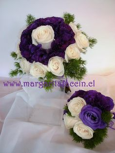 Rosas Vendela con lisianthus morados
