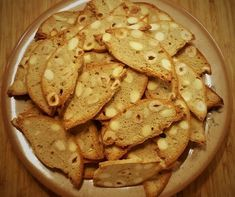 Chlebíček z lískových oříšků