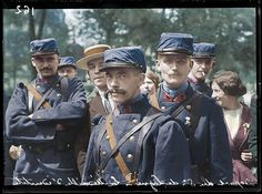 """Paris, 6 août 1914. Soldiers of the 5th Infantry Regiment (""""Fearless Navarre"""") It is part of the 12th Infantry Brigade, 6th Infantry Division, 3rd Army Corps., waiting to depart from Paris to the Western Front. 6th August 1914. The 5th Regiments first action was at the Battle of Charleroi, 21st-24th August 1914. (Colorised by Luc Heinrich from France)"""