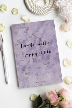 Calendarios y Cuadernillos Organizadores Imprimibles. Diseño Gráfico Personalizado para Blogueras y Emprendedoras Valientes Place Cards, Place Card Holders, Printable Calendars, Bullet Journal, Organizers, Notebooks, Paper Envelopes
