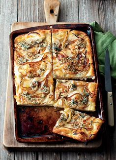 Blue Cheese Recipes Foccaccia with caramelized Onions pear and Blue cheese.