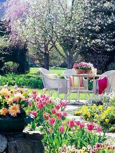 นั่งเล่นในสวนสวย