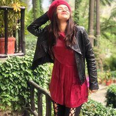 Avneet Kaur Beautiful HD Photoshoot Stills & Mobile Wallpapers HD Stylish Girls Photos, Stylish Girl Pic, Stylish Outfits, Stylish Kids, Teen Celebrities, Indian Celebrities, Celebs, Hd Wallpapers For Mobile, Girl Photography Poses
