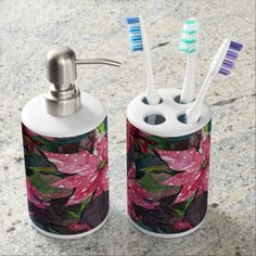 Pretty Poinsettia Bathroom Set