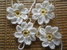 Crochet Daisy Pattern ~ maybe for Daisy Girl Scout Hair Clips