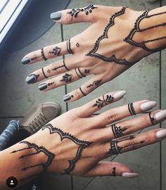 #henna #hennaart #hennapro #hennalove #HennabyHawa #hennadesign #hennaartist #hennatattoo #hennainspire #mehndi #mehndiart #mehndinight #mehndidesign #mehndiartist #mehnditattoo #montreal #montrealhenna #weadding #style #afghan #art #tattoo #temporarytattoo #beautiful #bodyart #girlsparty #girls #fashion #fall #love