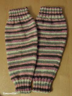 Sukkia ja säärystimiä Boot Cuffs, Leg Warmers, Socks, Legs, Knitting, Pattern, Fashion, Flower, Crochet Boots