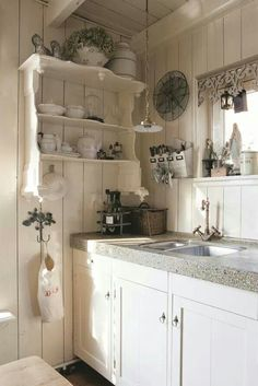 Shabby Chic is a mix of old and new, and has a very long tradition in the Scandinavian nations and the United Kingdom. Shabby chic is the most recent craze in the rustic kind of decorating. Cozy Kitchen, Country Kitchen, New Kitchen, Kitchen Decor, Kitchen Ideas, Kitchen Paint, Kitchen Designs, Romantic Kitchen, Shabby Chic Cottage