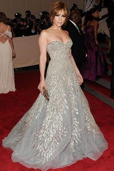 "skirt of ""petal overlays"" princess-cut Zuhair Murad gown at the 2010 Costume Institute Gala | hellomagazine.com"