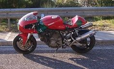 Ducati Tifoso: The SSie Cafe-Racer Project Sportster Cafe Racer, Suzuki Cafe Racer, Cafe Racer Bikes, Cafe Racer Motorcycle, Bmw Scrambler, Racing Motorcycles, Vintage Cafe Racer, Custom Cafe Racer, Cafe Racer Build