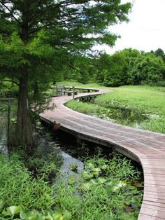 Shaw Nature Reserve, Gray Summit Shaw Nature Reserve is a 2,400-acre private nature reserve that is operated as an extension of the Missouri Botanical Garden. It features several historic homes, a large prairie, and a large wetland blind from which to observe herons. They offer over 14 miles of hiking trails including wheelchair-accessible trails and scenic routes