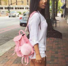 Pink leather backpack with pom pom www.grafea.com #moda #derisırtçanta #blog #fotograflar