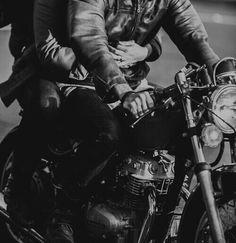 Remus and Sirius on his new Motorbike Taken by Peter Circa 1978 Couple Moto, Couple On Motorcycle, Image Moto, Wolfstar, Sirius Black, Hush Hush, Bad Boys, Couple Goals, Couple Ideas