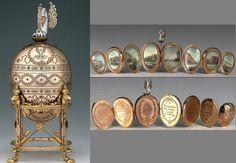 17 (1898) Pelican egg. Goud, diamanten en email. Binnenin 8 ivoren miniaturen van instellingen waarvan de weduwe keizerin patrones was.