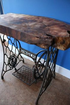 Interesting Choose the Right Sewing Machine Ideas. Cleverly Choose the Right Sewing Machine Ideas. Sewing Machine Tables, Treadle Sewing Machines, Antique Sewing Machines, Sewing Tables, Sewing Machine Projects, Live Edge Furniture, Furniture Projects, Wood Projects, Repurposed Furniture