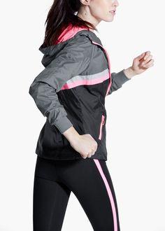 Fitness & running - cortavientos ultra ligero capucha   MANGO