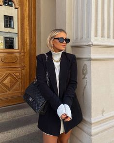 Find images and videos about girl, fashion and style on We Heart It - the app to get lost in what you love. Winter Fashion Outfits, Winter Outfits, Autumn Fashion, Looks Street Style, Looks Style, Chanel Street Style, New York Street Style, Urban Street Style, Fashion 2020