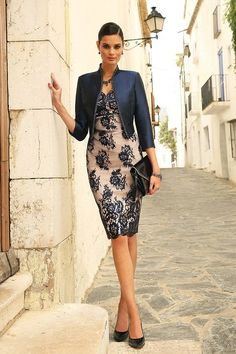 Linea Raffaelli - Stunning jacket & dress combination in silver grey jacquard. Perfect for a mother of the bride / groom