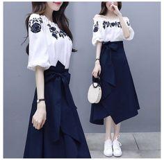 Frock Fashion, Korean Fashion Dress, Indian Fashion Dresses, Girls Fashion Clothes, Fashion Outfits, Korean Dress, Woman Clothing, Fashion Fall, Fashion Men