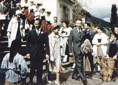 31 สิงหาคม พ.ศ. 2503 พระบาทสมเด็จพระเจ้าอยู่หัวและสมเด็จพระนางเจ้าฯ พระบรมราชินีนาถ เสด็จฯ ประทับเรือยนต์พระที่นั่ง เพื่อทอดพระเนตรทิวทัศน์ริมทะเลสาปเบียน ประเทศสวิตเซอร์แลนด์