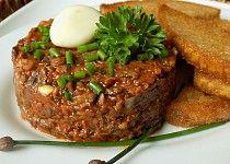 "Žampionový ""tatarák"" Diet Recipes, Vegan Recipes, Modern Food, Canapes, Meatloaf, Salmon Burgers, Stuffed Mushrooms, Food And Drink, Appetizers"