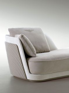 Richmond chaise longue detail for Bentley Home www.luxurylivinggroup.com #Bentley #LuxuryLivingGroup