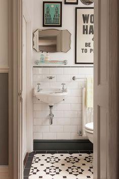Vintage Bathroom Decor: 35 Vintage Black And White Bathroom Tile Ideas And Pictures Bathroom Tile Designs, Bathroom Renos, Bathroom Ideas, Bathroom Small, Small Sink, Bathroom Renovations, Modern Bathroom, Bathroom Gallery, Bathroom Interior