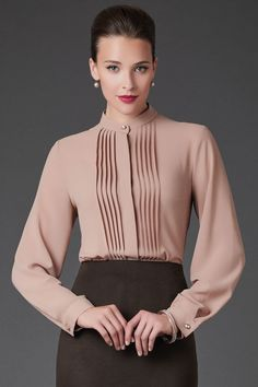 Ideal And Almost Perfect Classy Work Outfits Classy Work Outfits, Office Outfits Women, Ladies Outfits, Business Outfit Frau, Business Casual Outfits, Blouse Styles, Blouse Designs, Paar Style, Mein Style